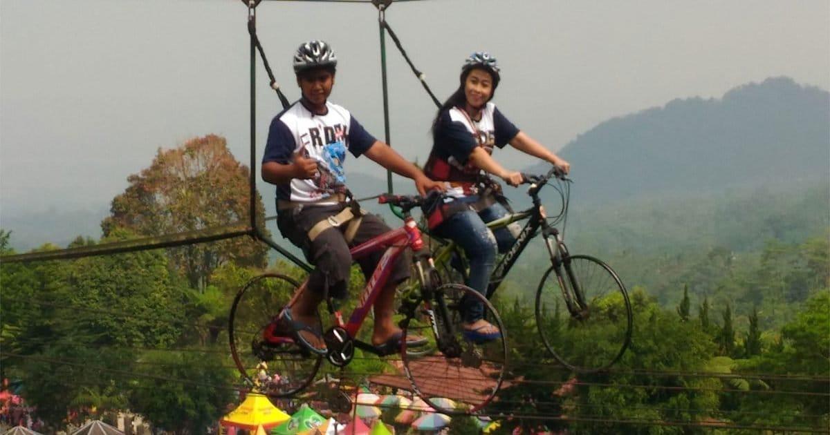 Ribuan Wisatawan Penuhi Obyek Wisata Baturaden Purwokerto Kampusnesia